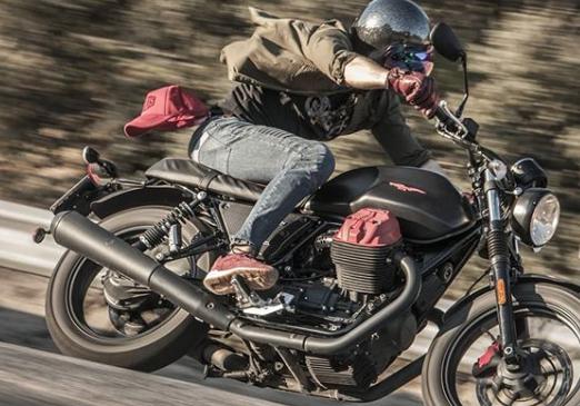 Los accesorios en la moto son básicos para la seguridad